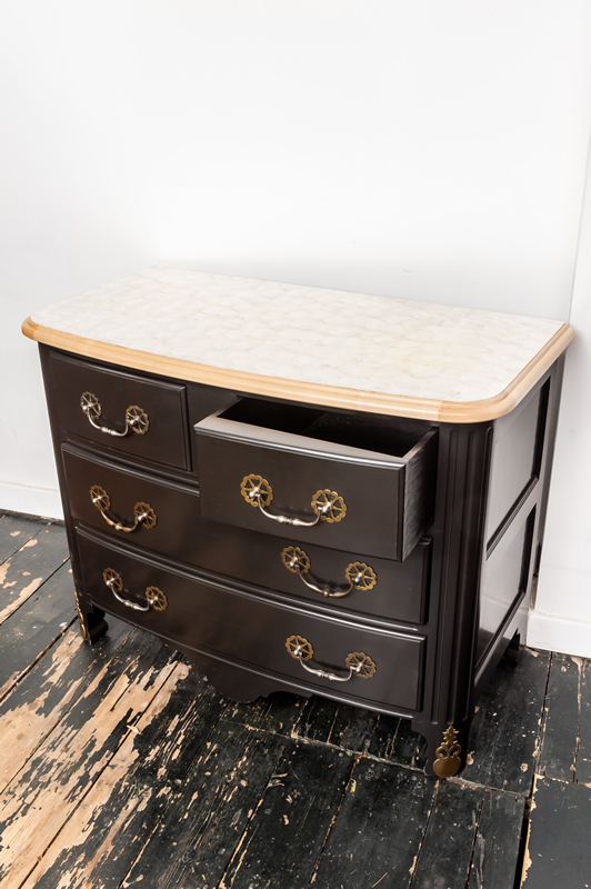 174 Chest Of Drawers